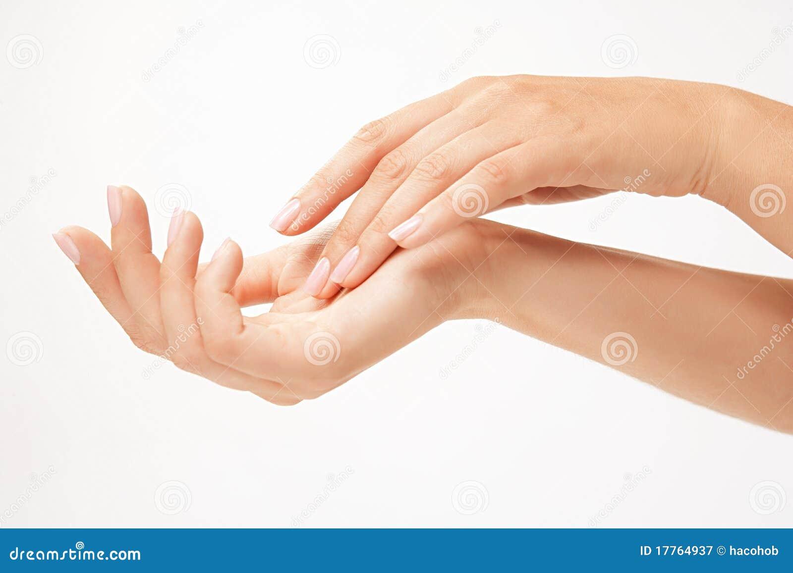 Härlig kvinna för händer s
