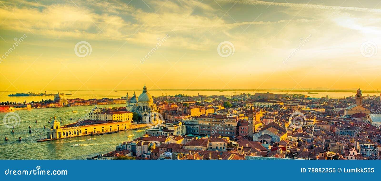 Härlig panorama- flyg- sikt av Venedig