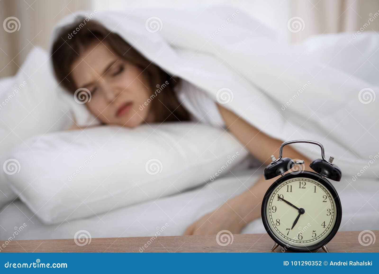 Sova rav och vakna upp