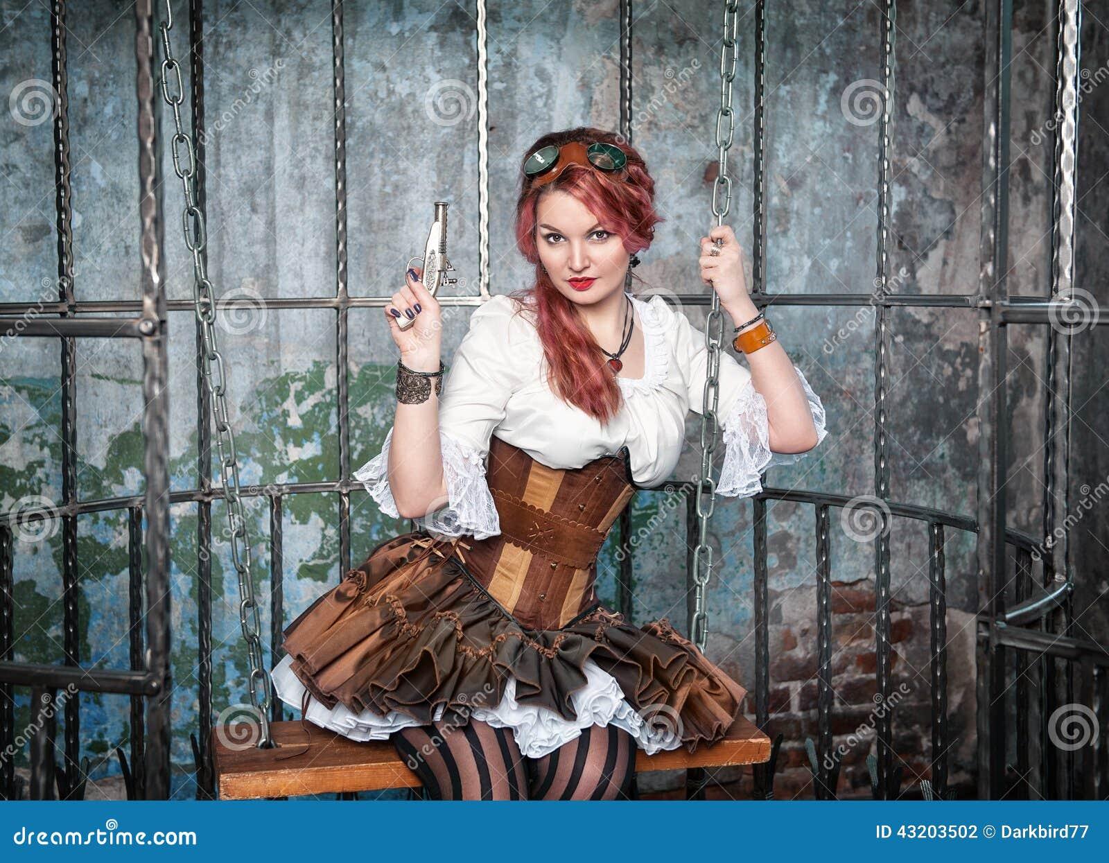 Download Härlig Steampunkkvinna I Buren Med Vapnet Arkivfoto - Bild av gulligt, nätt: 43203502