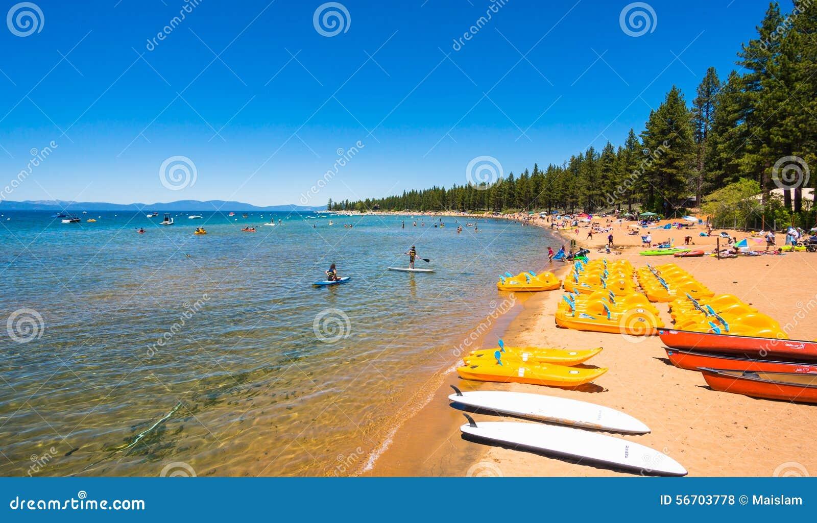 Härlig strand i Lake Tahoe, Kalifornien