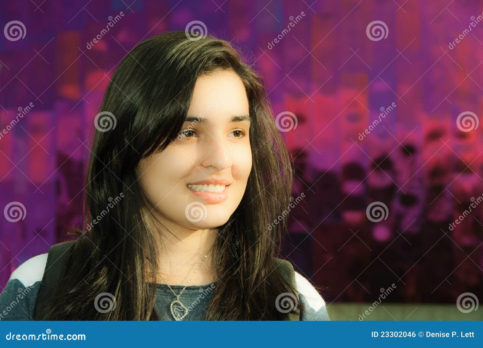 Härlig ung kvinna