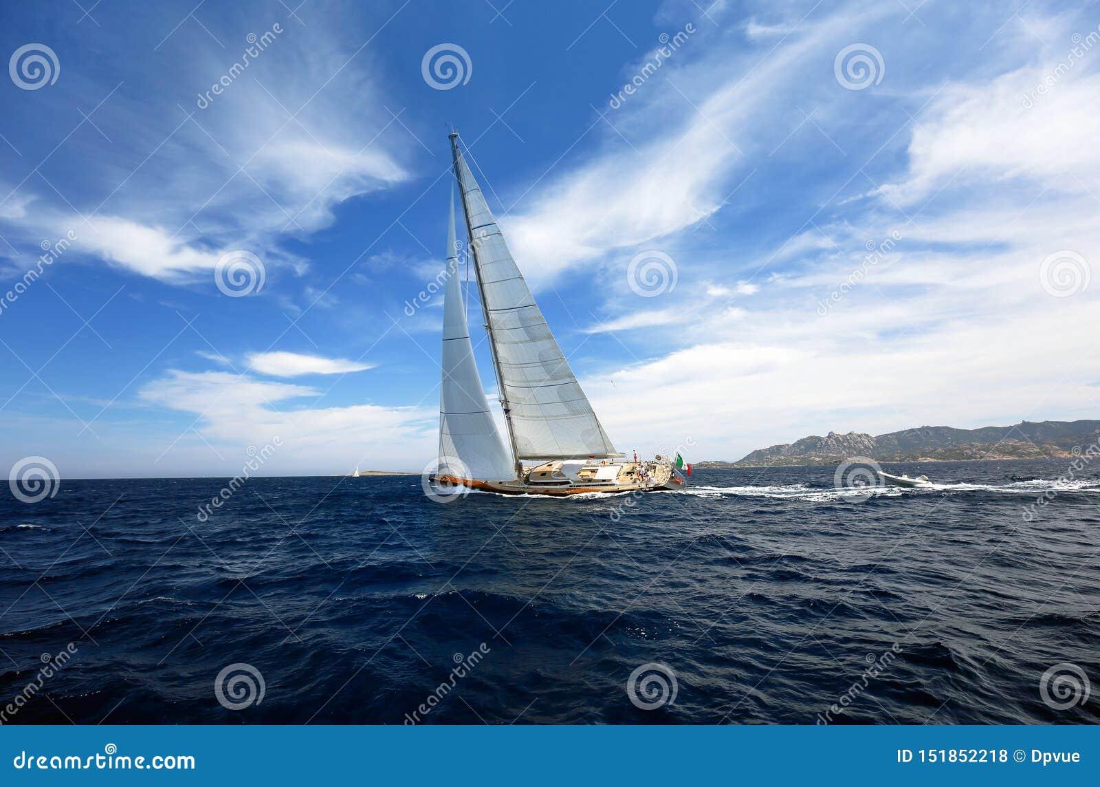 HÄRLIG yachtutbildning för det oidentifierade laget för fartyglopp