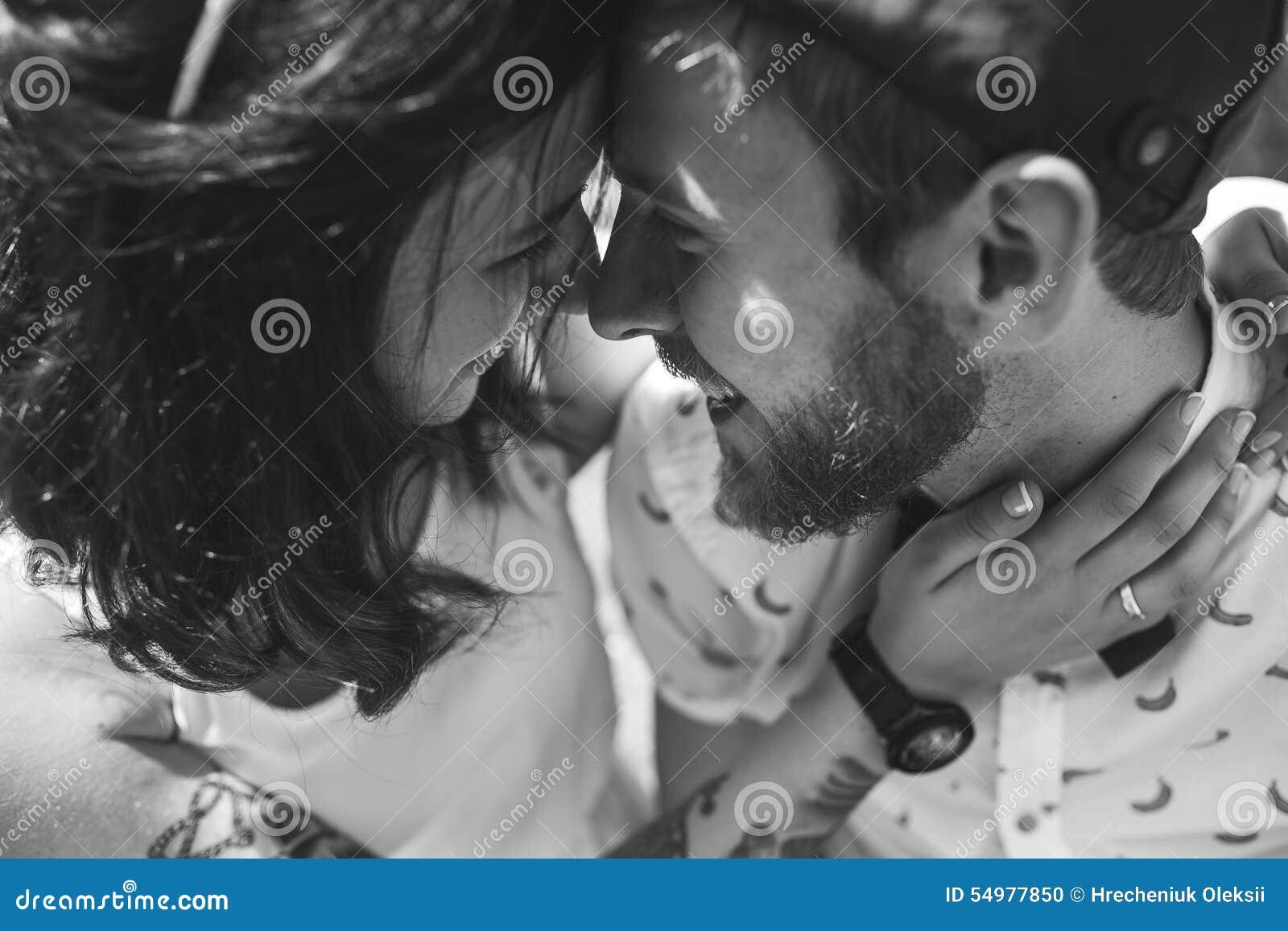 Härliga par stänger sig upp