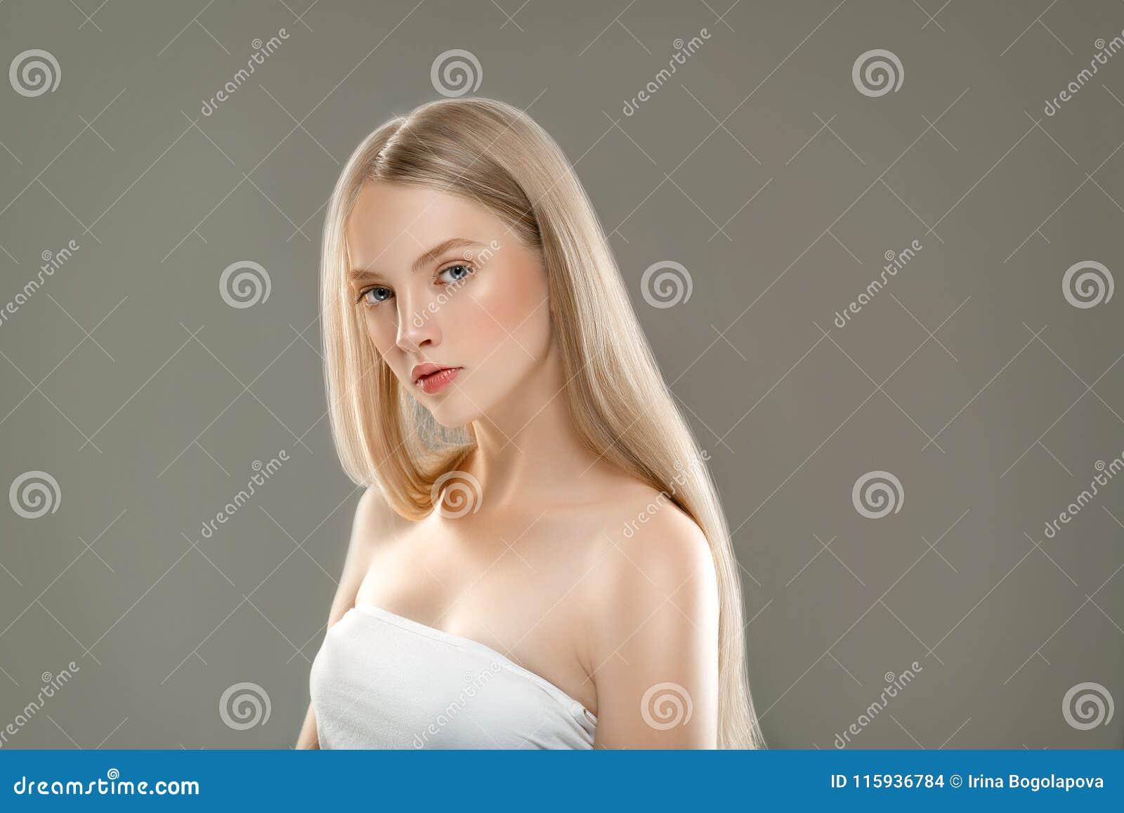 Härligt begrepp för omsorg för hud för skönhet för kvinnaframsidastående med länge