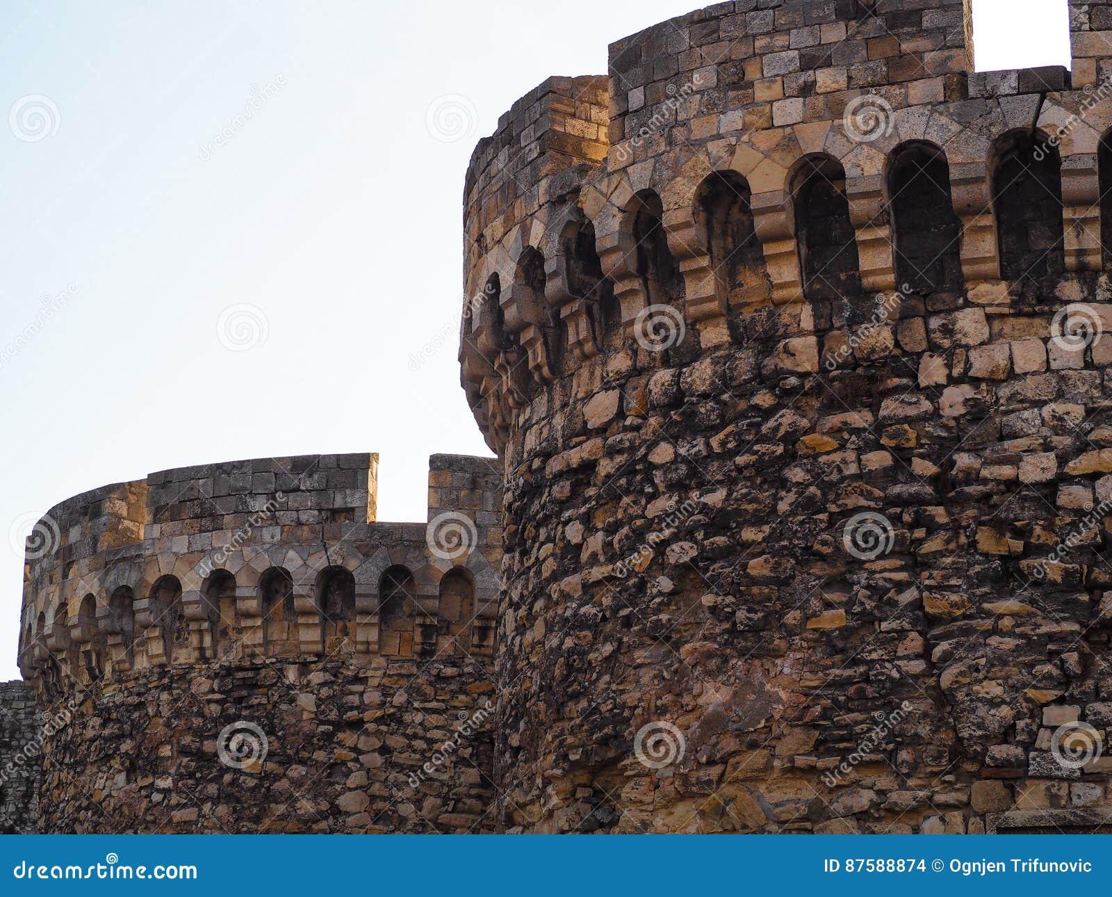 Härligt foto av två torn
