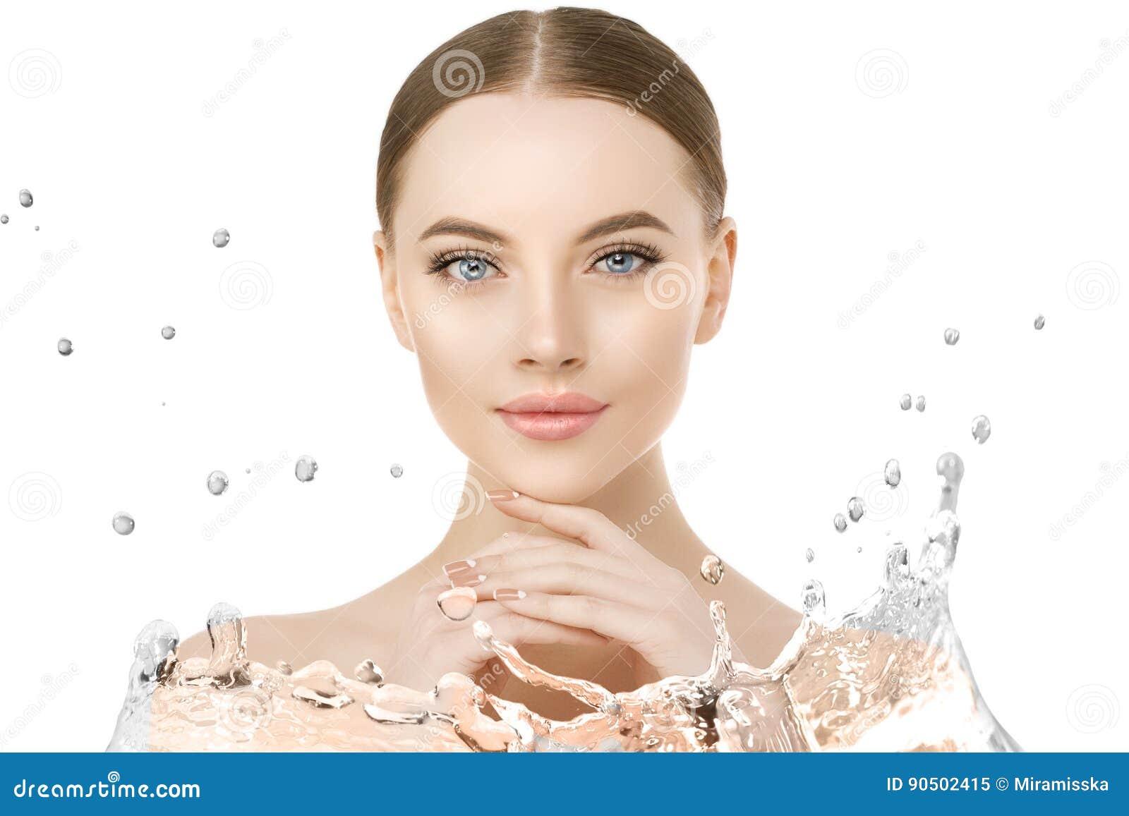 Härligt kvinnaframsidaslut upp studio med vattenfärgstänk Skönhet s