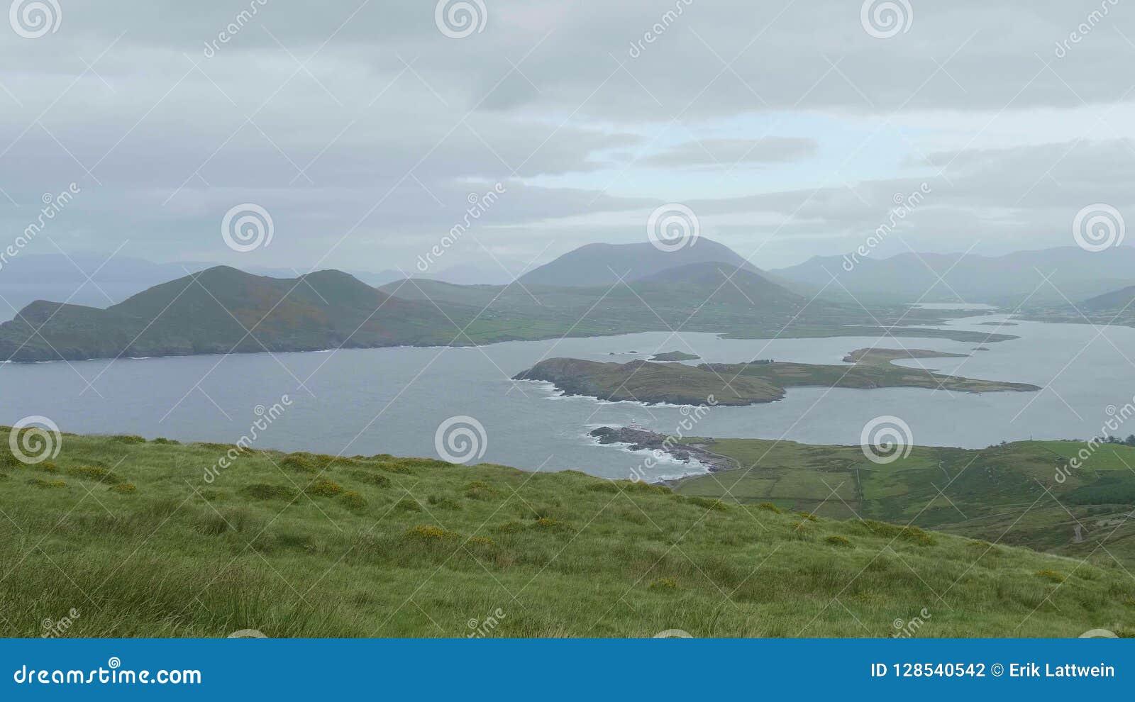 Härligt landskap av Kerry Ireland i misten stock video