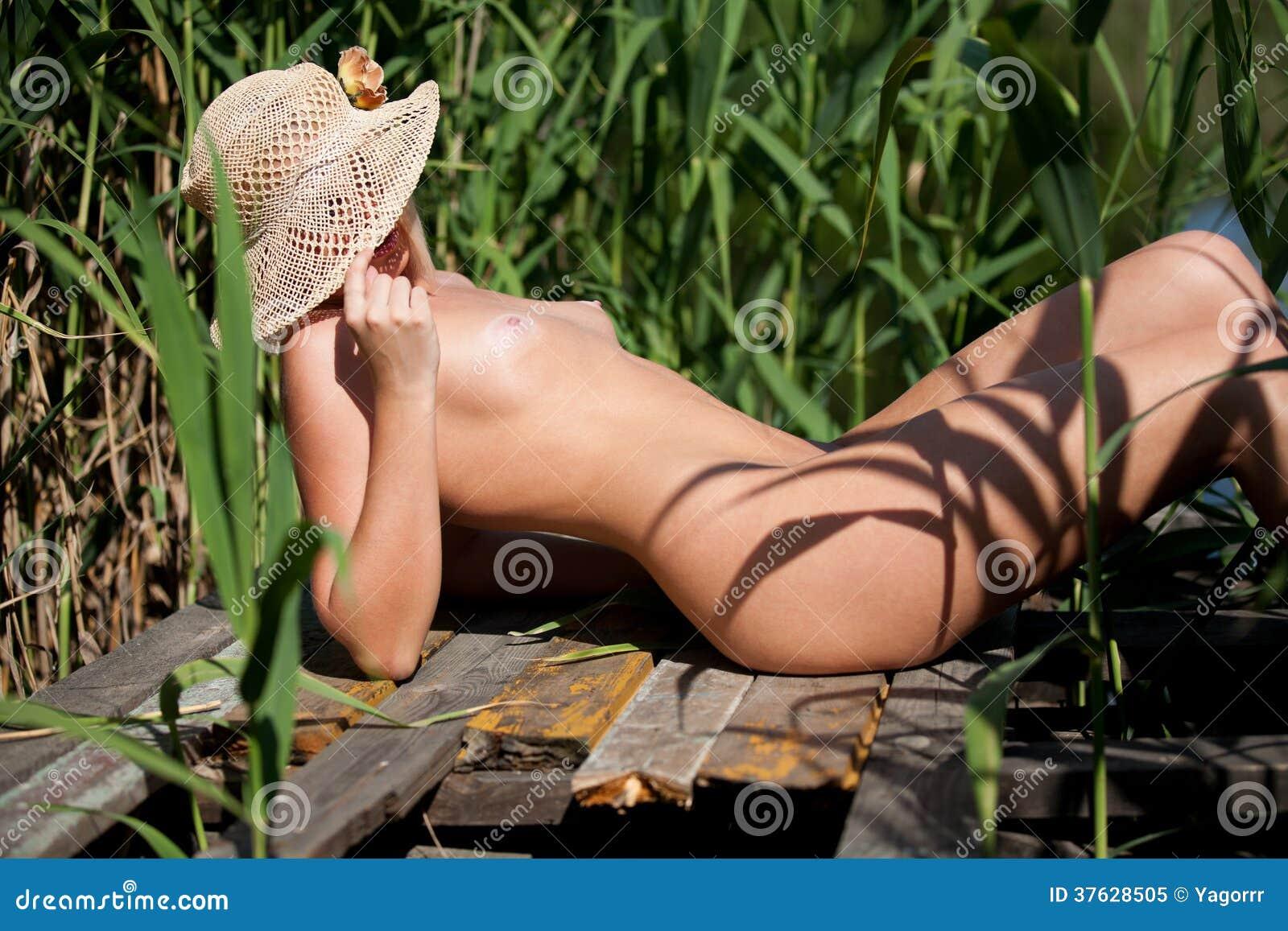 fri ledsagare naken i Södertälje