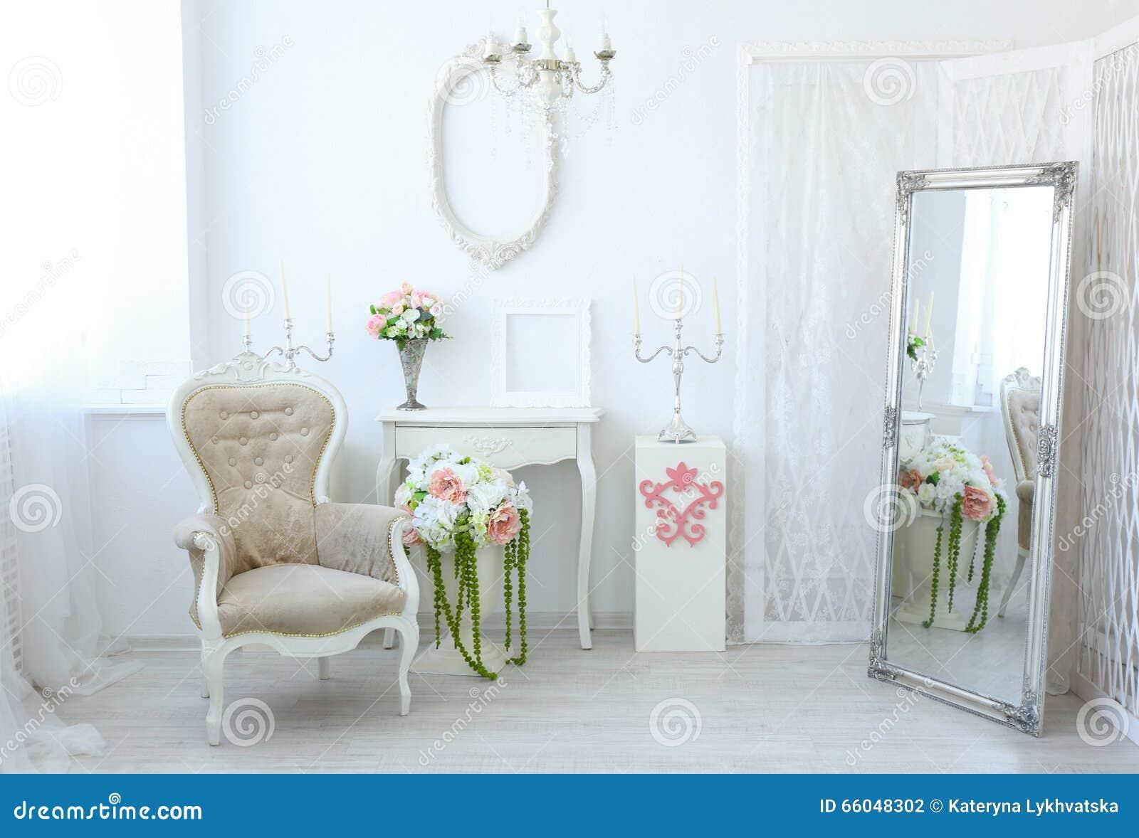 Härligt lyxigt rum i sjaskig chic stil