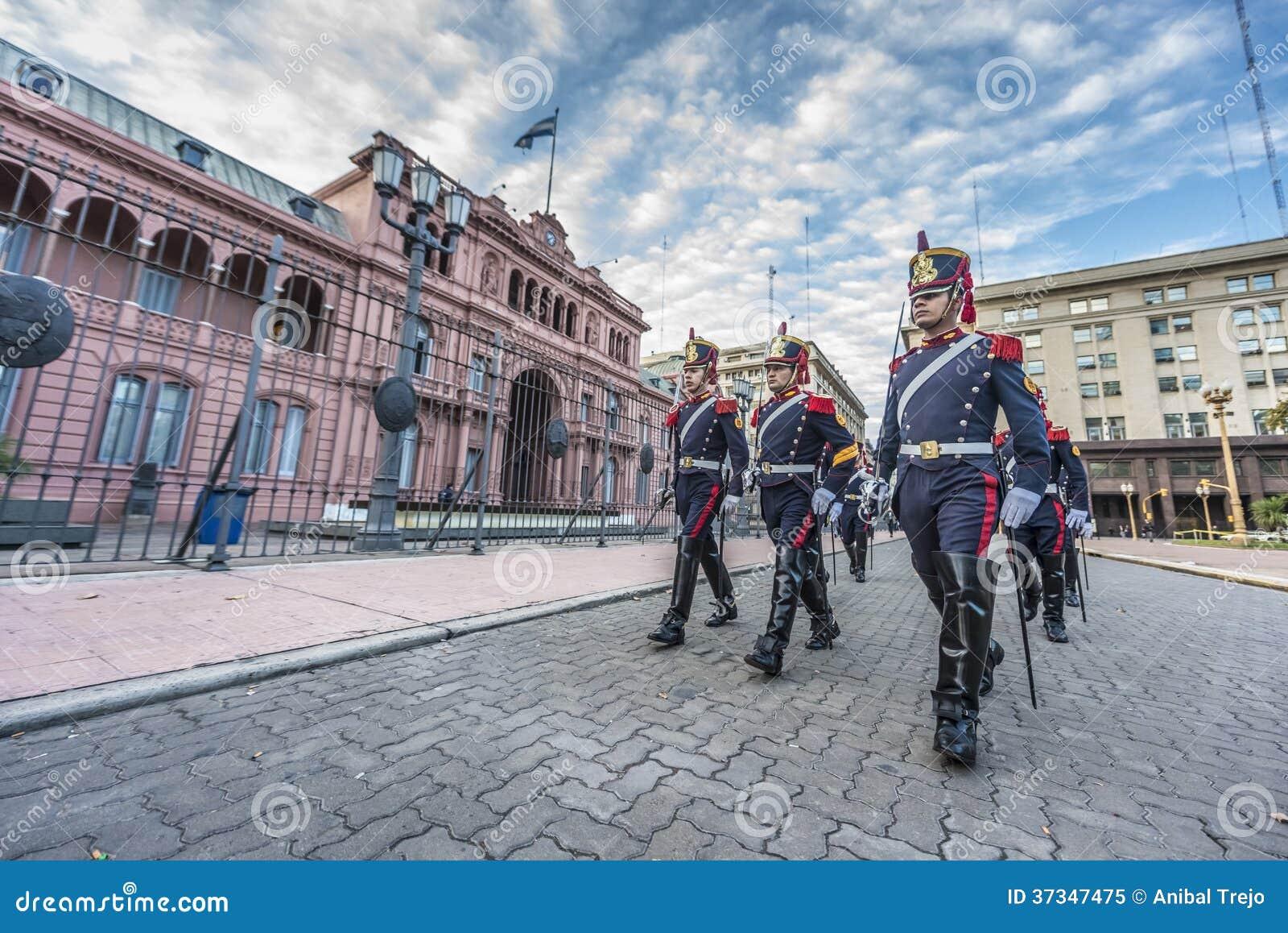 Hästgrenadjärer i Buenos Aires, Argentina.
