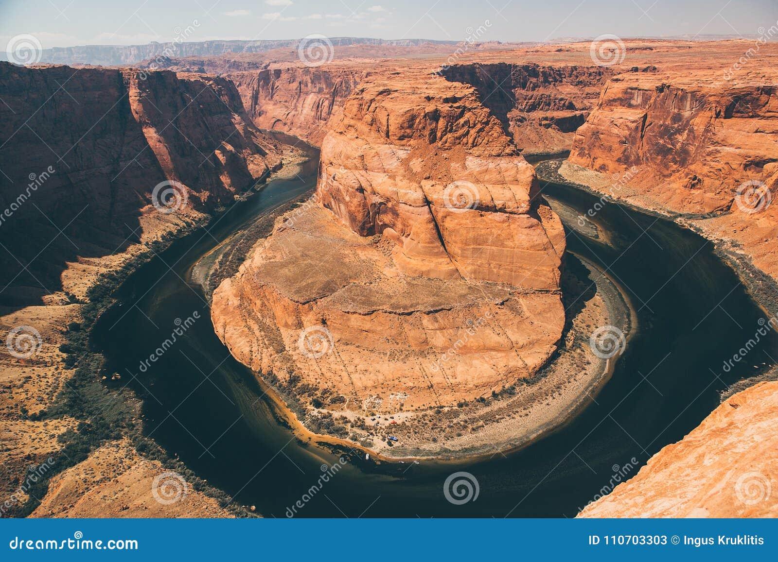 Hästskokrökningen är en berömd slingringar på floden Colorado
