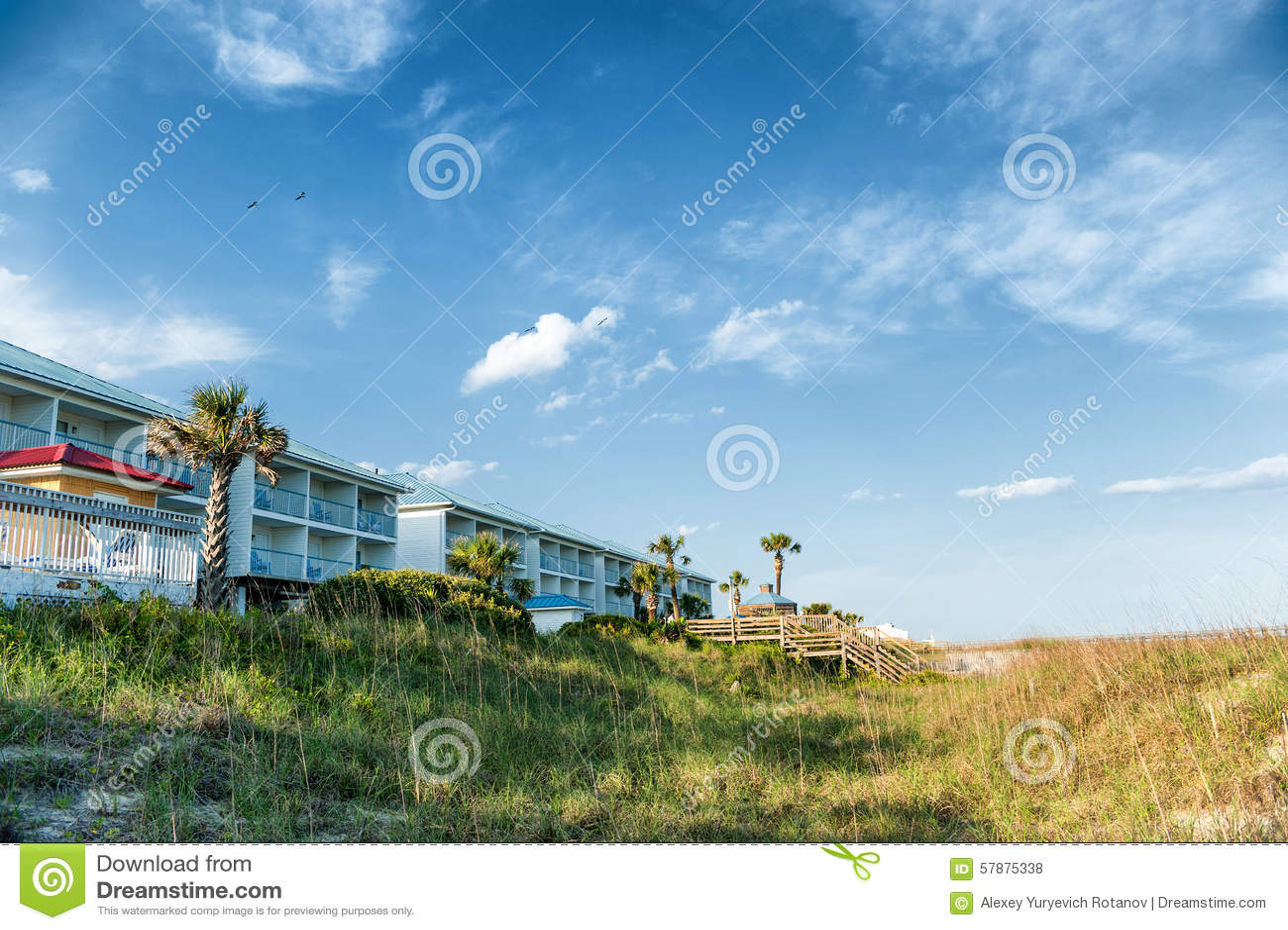 Häuser an der Küste des Atlantiks