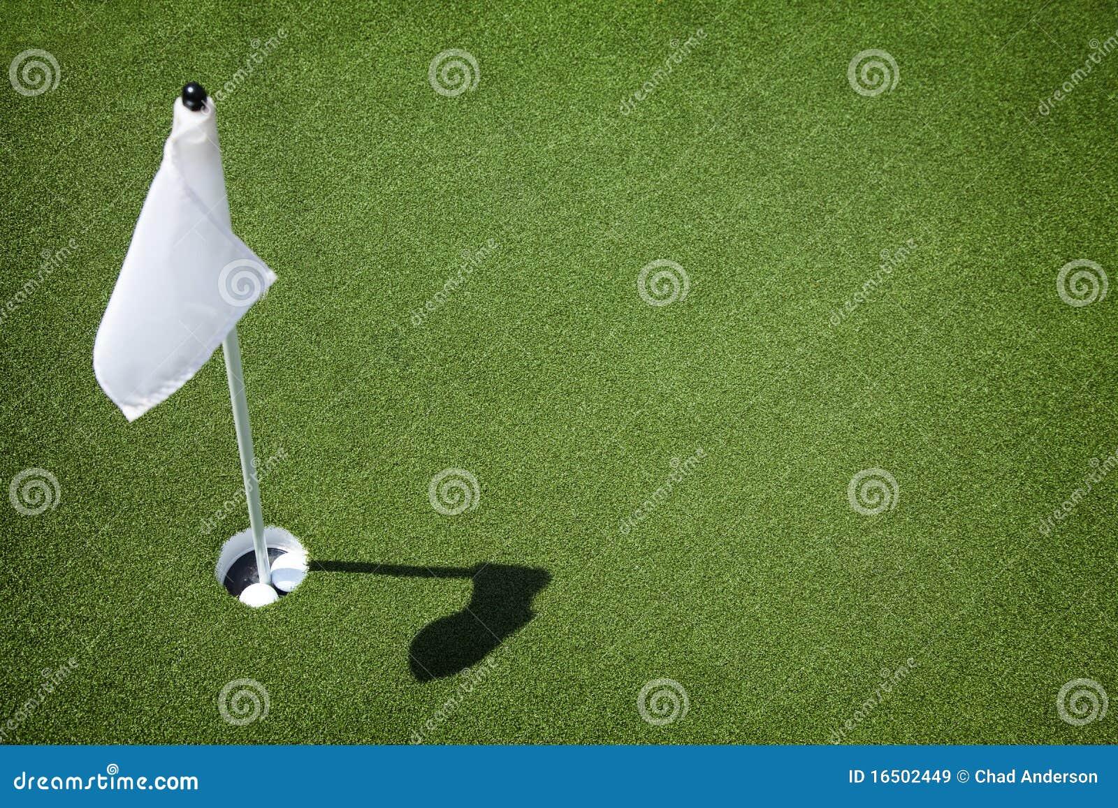 Hål för green för kursflaggagolf