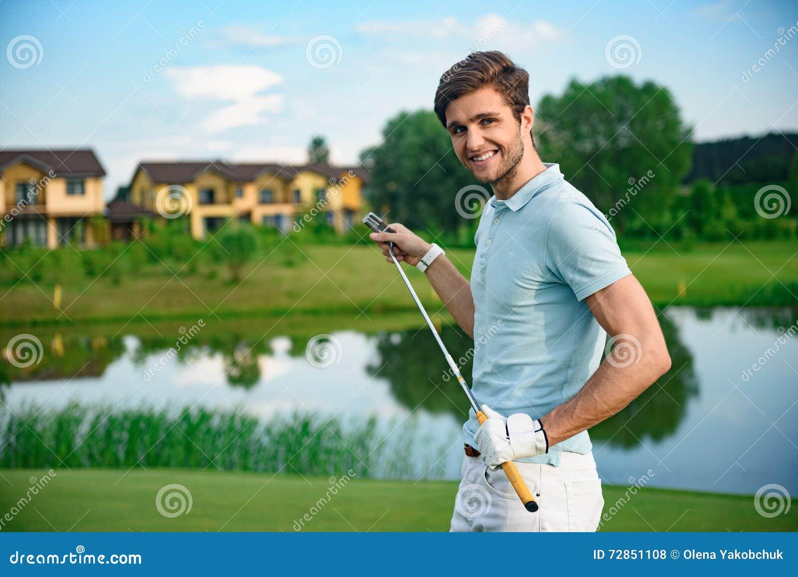 Hållande chaufför för golfspelare