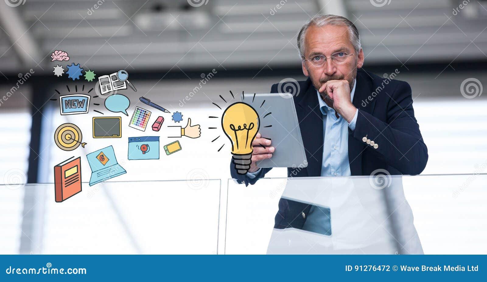 Hållande minnestavlaPC för affärsman med idésymboler i förgrund