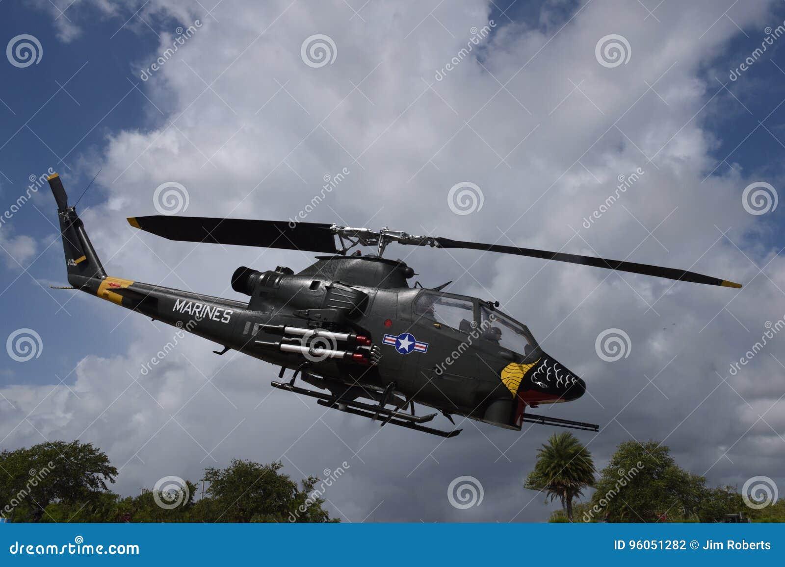 Hélicoptère de combat de cobra