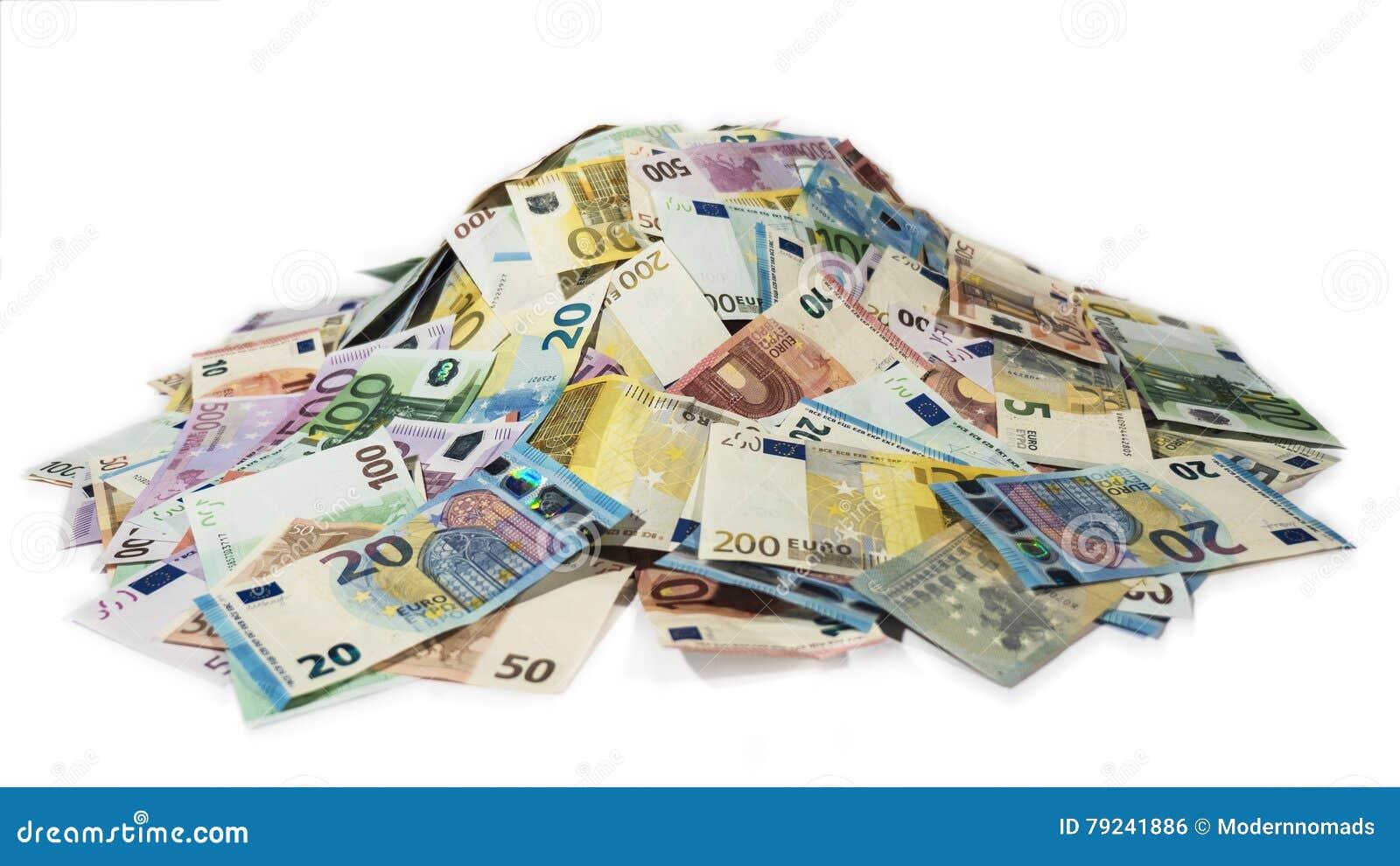 Hög av kassa, bunt av pengar, 2016 nya euroräkningar