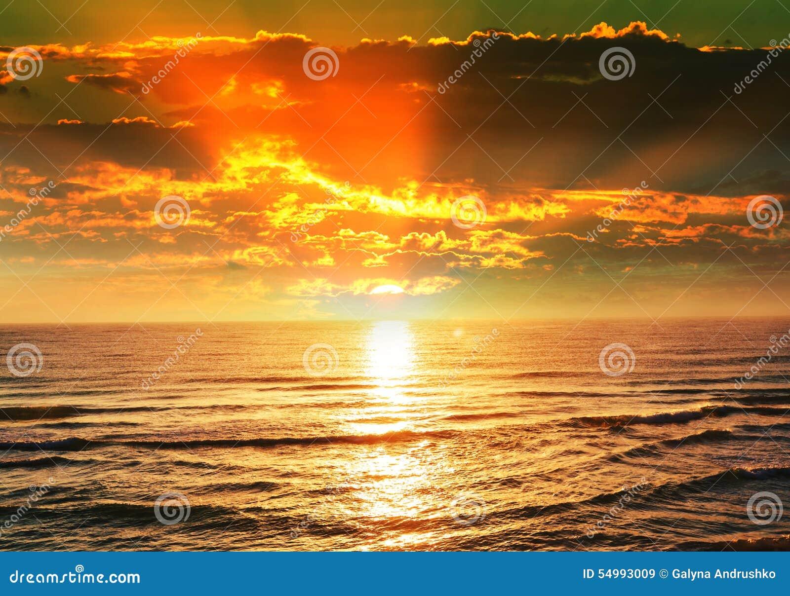 Hög solnedgång för jpgupplösningshav