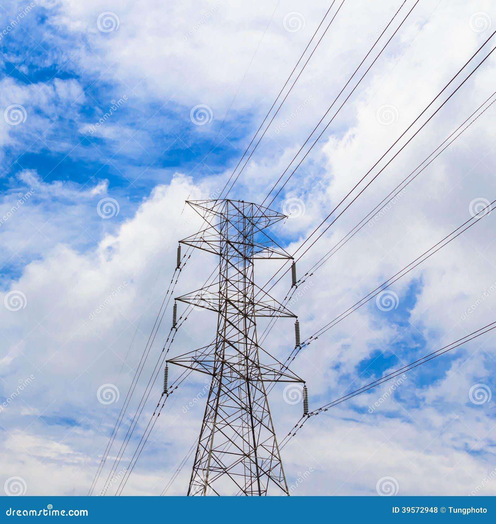 Hög spänningspylon för elektricitet