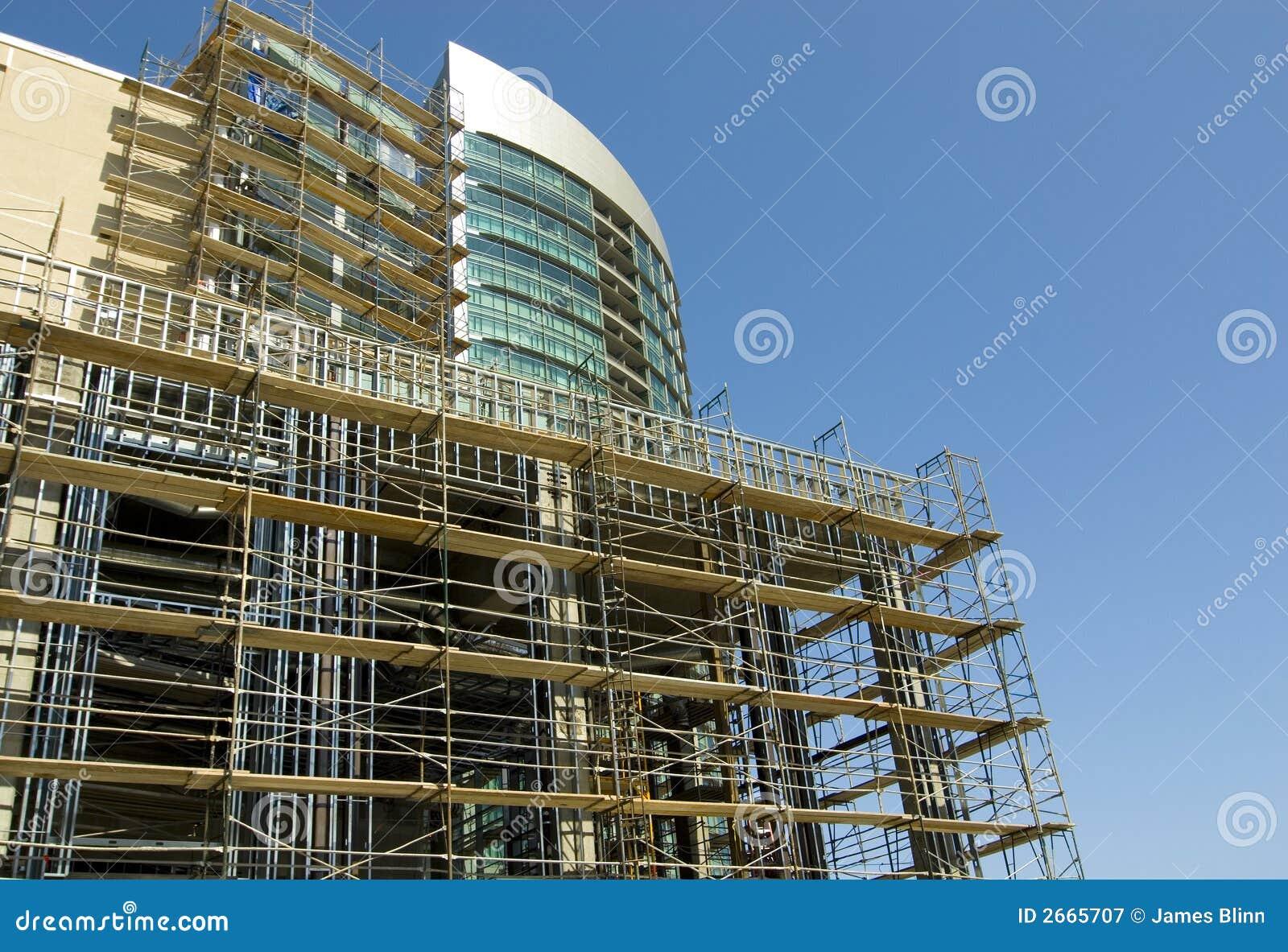 Hög stigning för konstruktion under