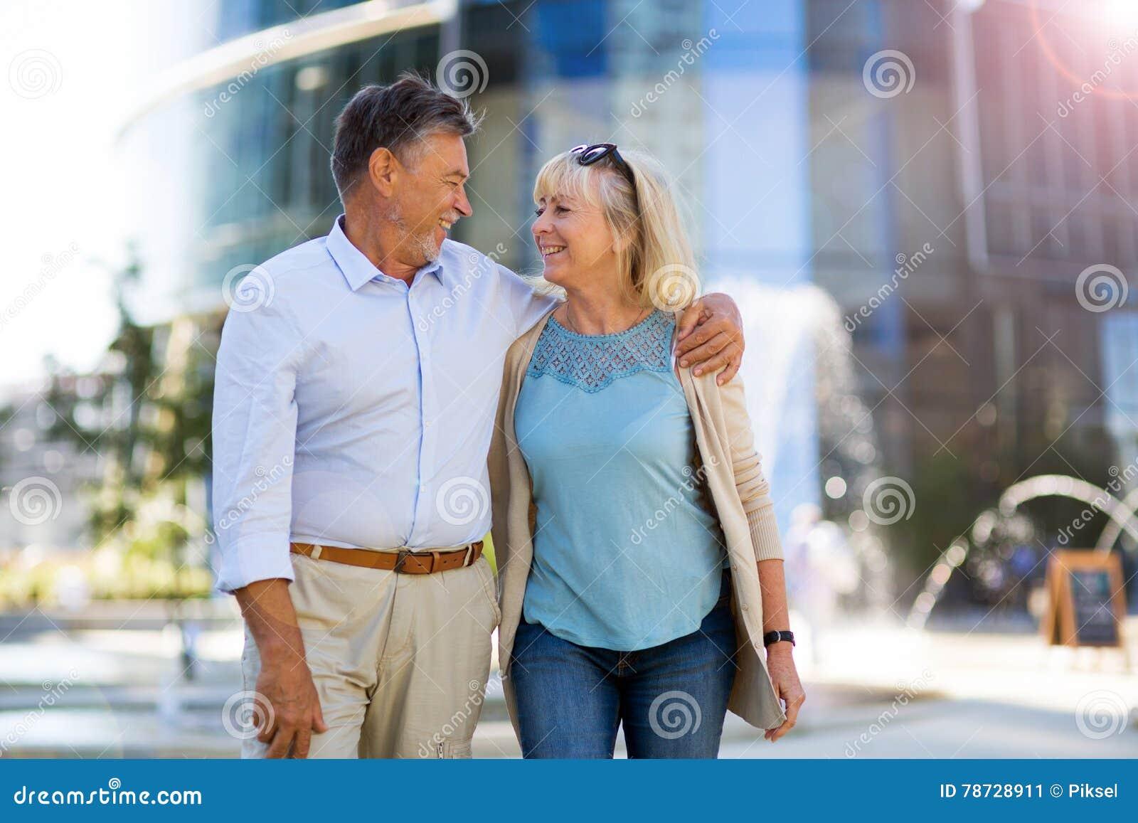 Höga par i staden