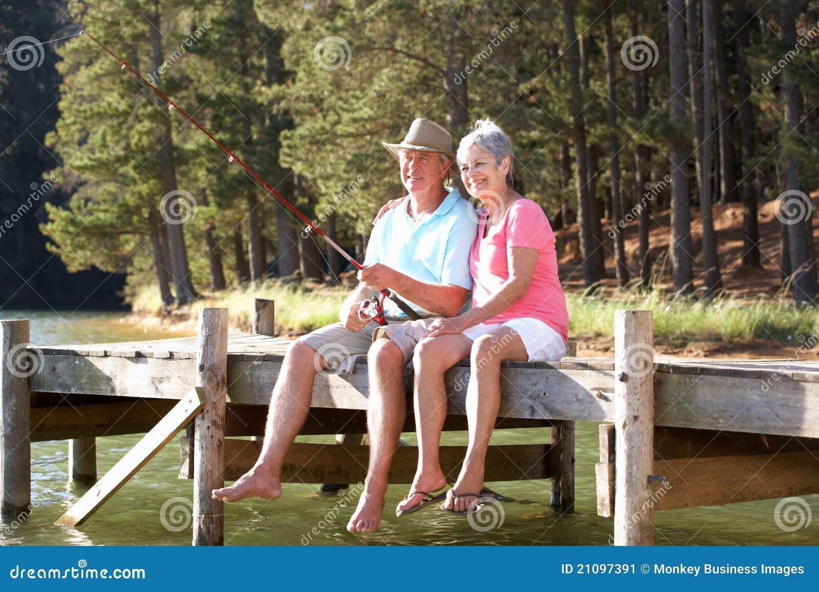 Höga par som har roligt fiske