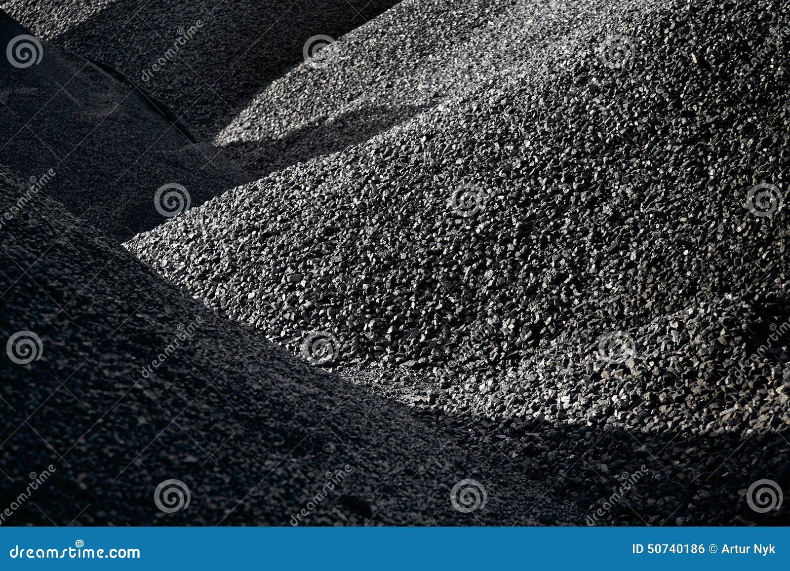 Högar av kol
