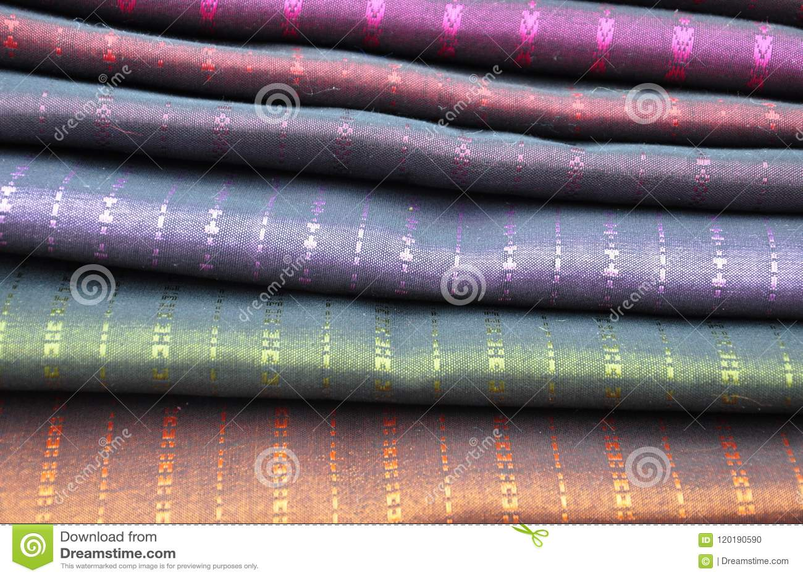 Högar av siden- pashminascarves