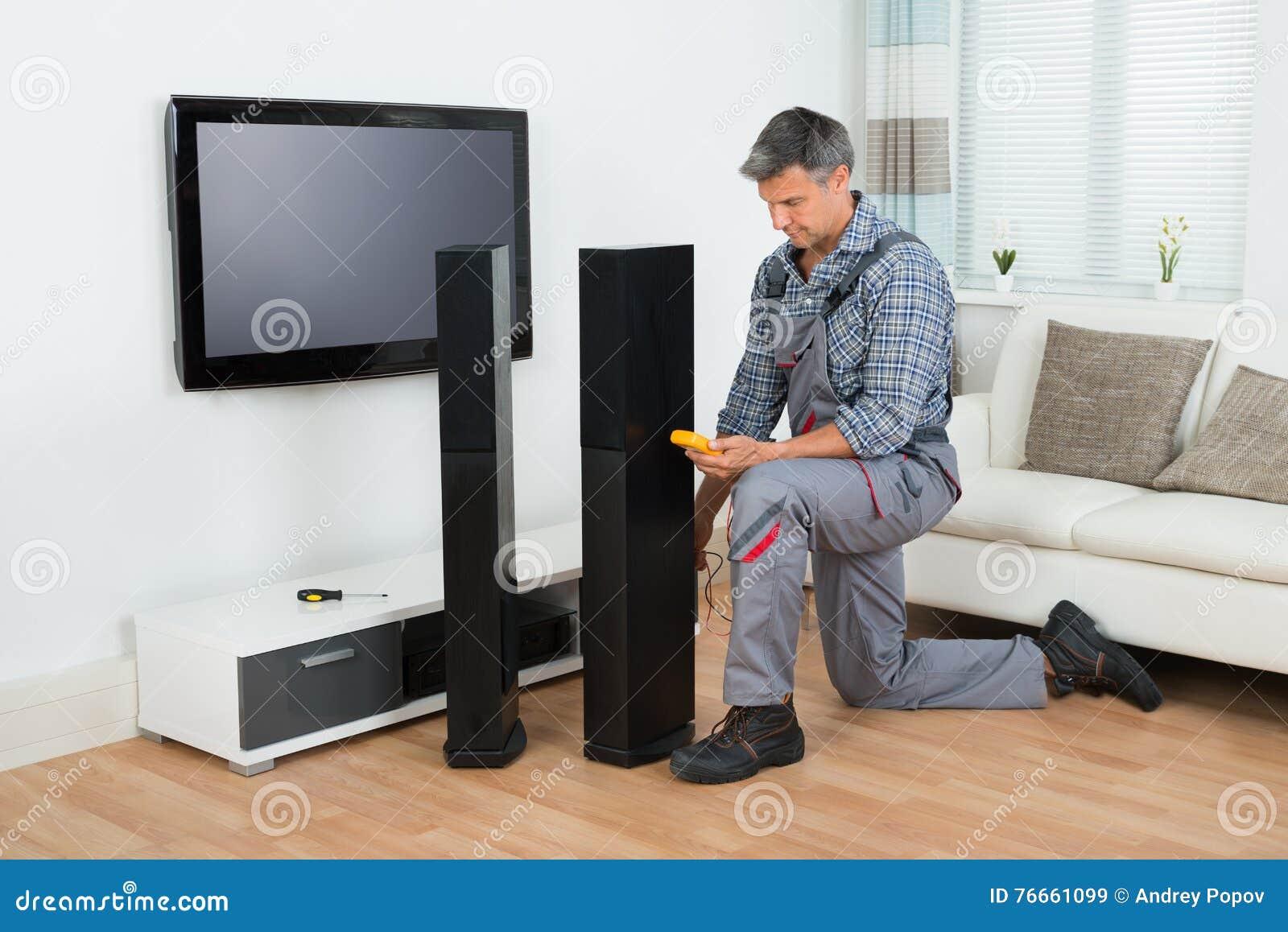 Högtalare för teknikerChecking TV med multimeteren