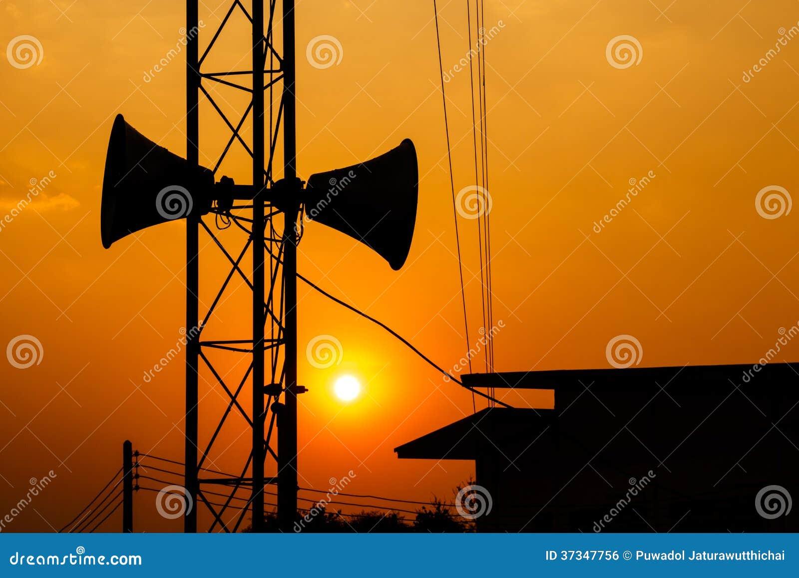 Högtalare och solnedgång