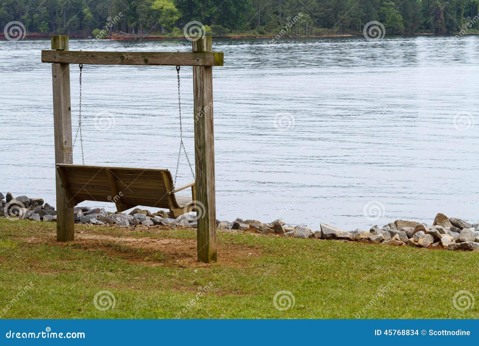 Hölzern schwingen Sie heraus entlang See Murray