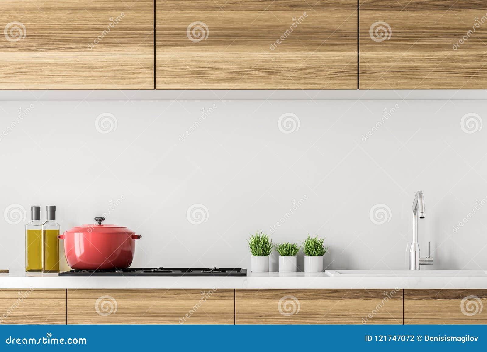 Hölzerne Küchenarbeitsplatte mit einem Kocher