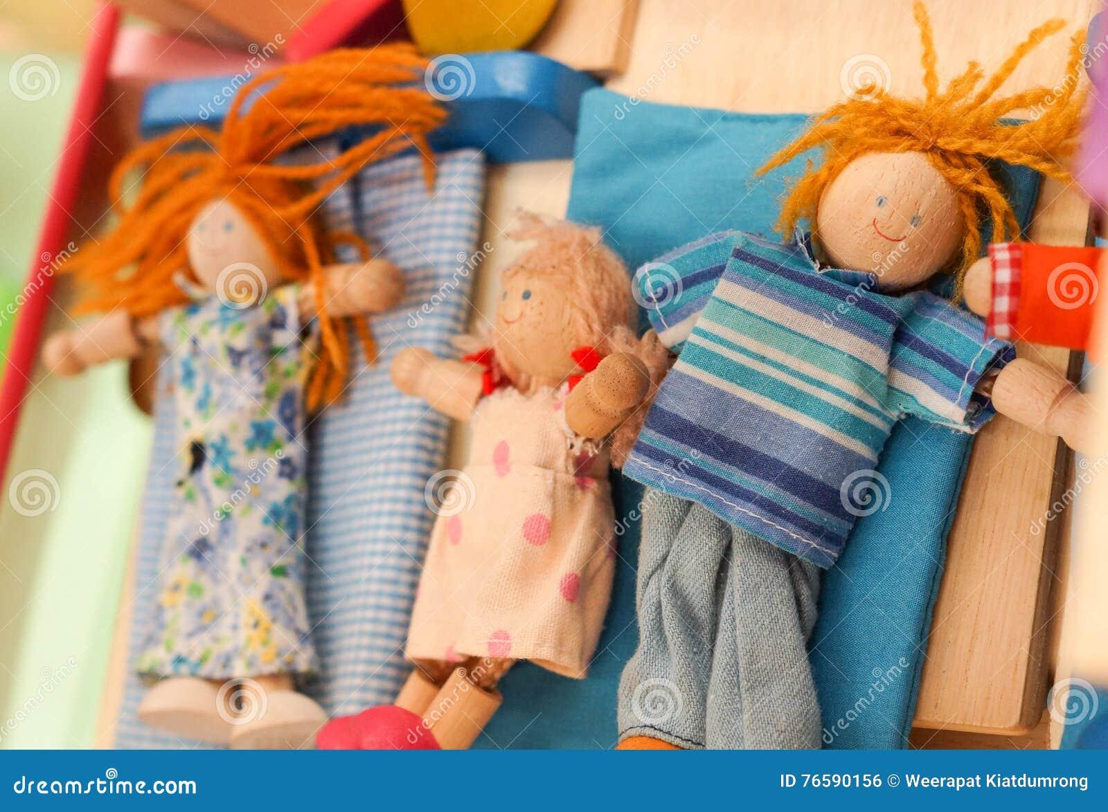 Hölzerne Puppenspielwaren