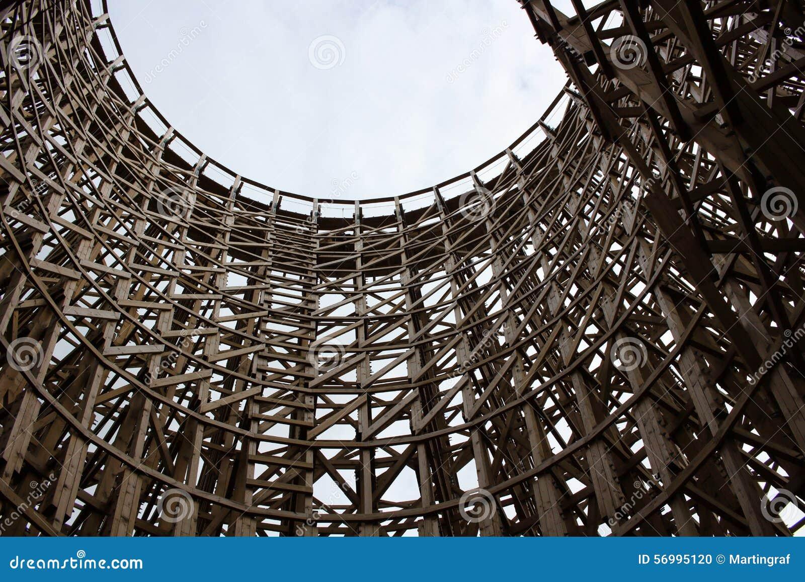 Hölzerne Struktur stockfoto. Bild von rahmen, klammern - 56995120