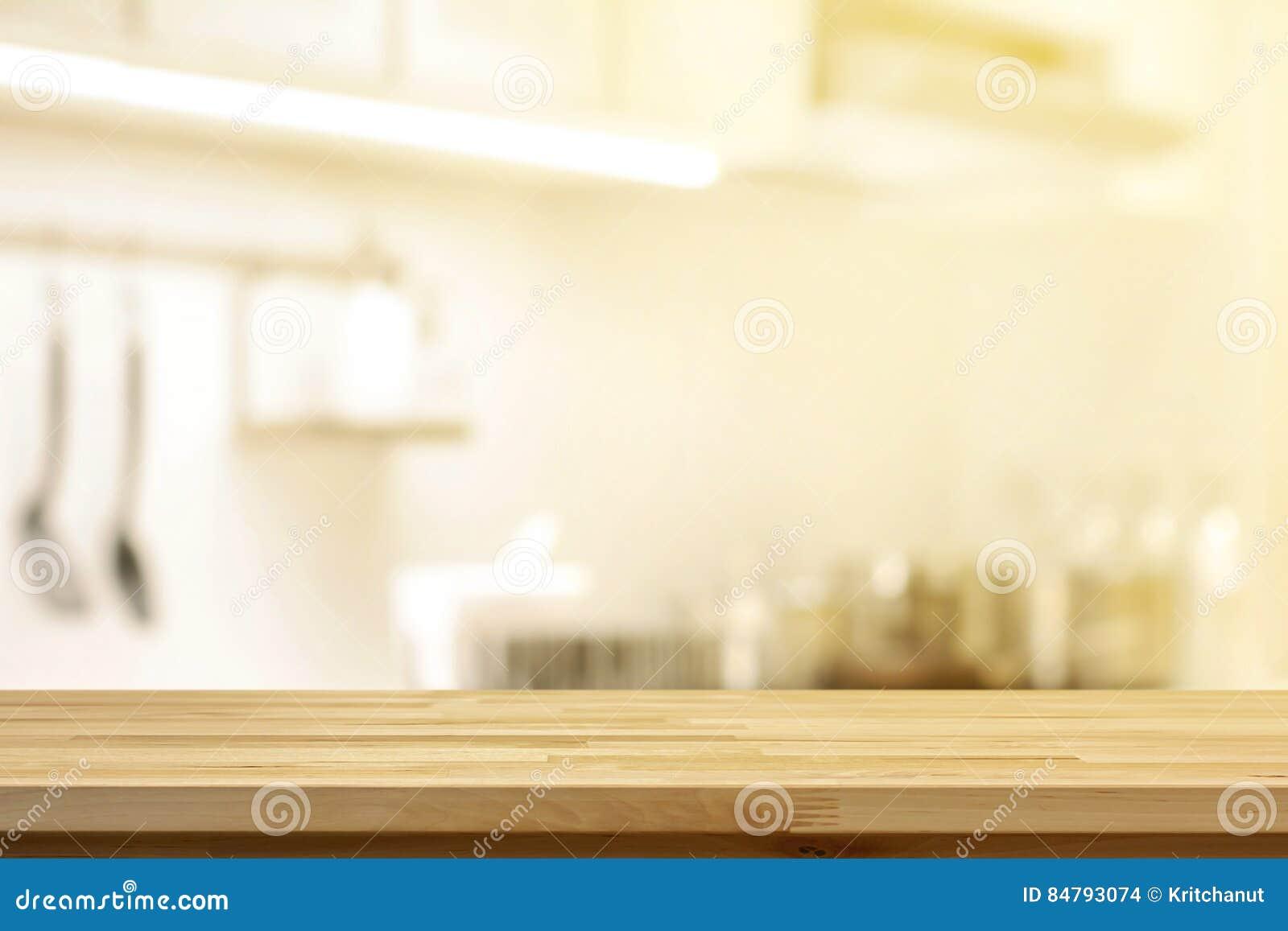 Hölzerne Tischplatte Als Kücheninsel Auf Unschärfeküchen ...