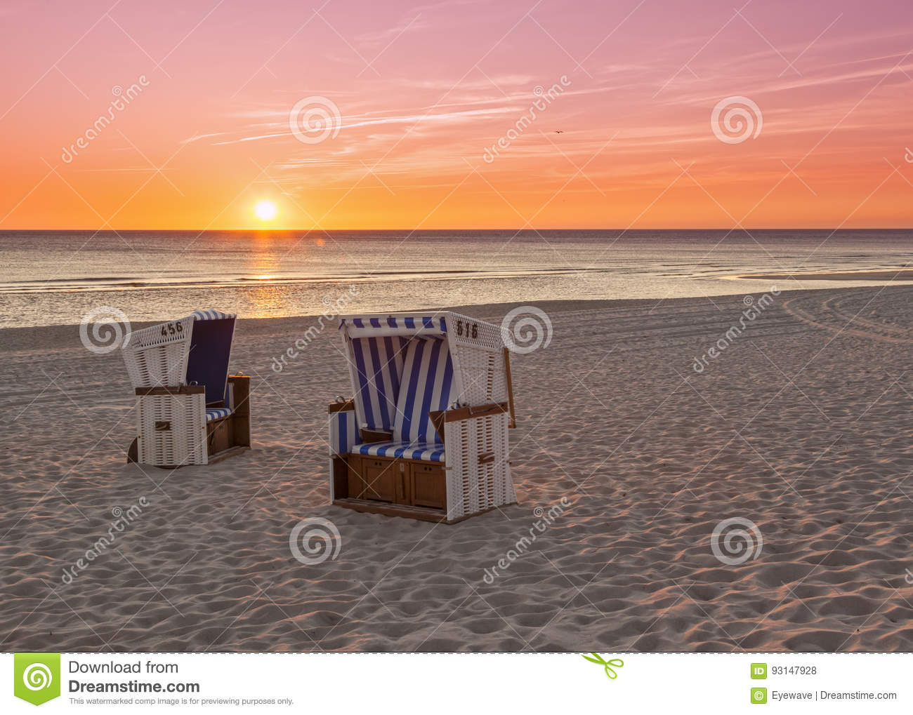 Beach sunset with chairs - H Rnum Sylt Beach Chairs At North Sea In Sunset