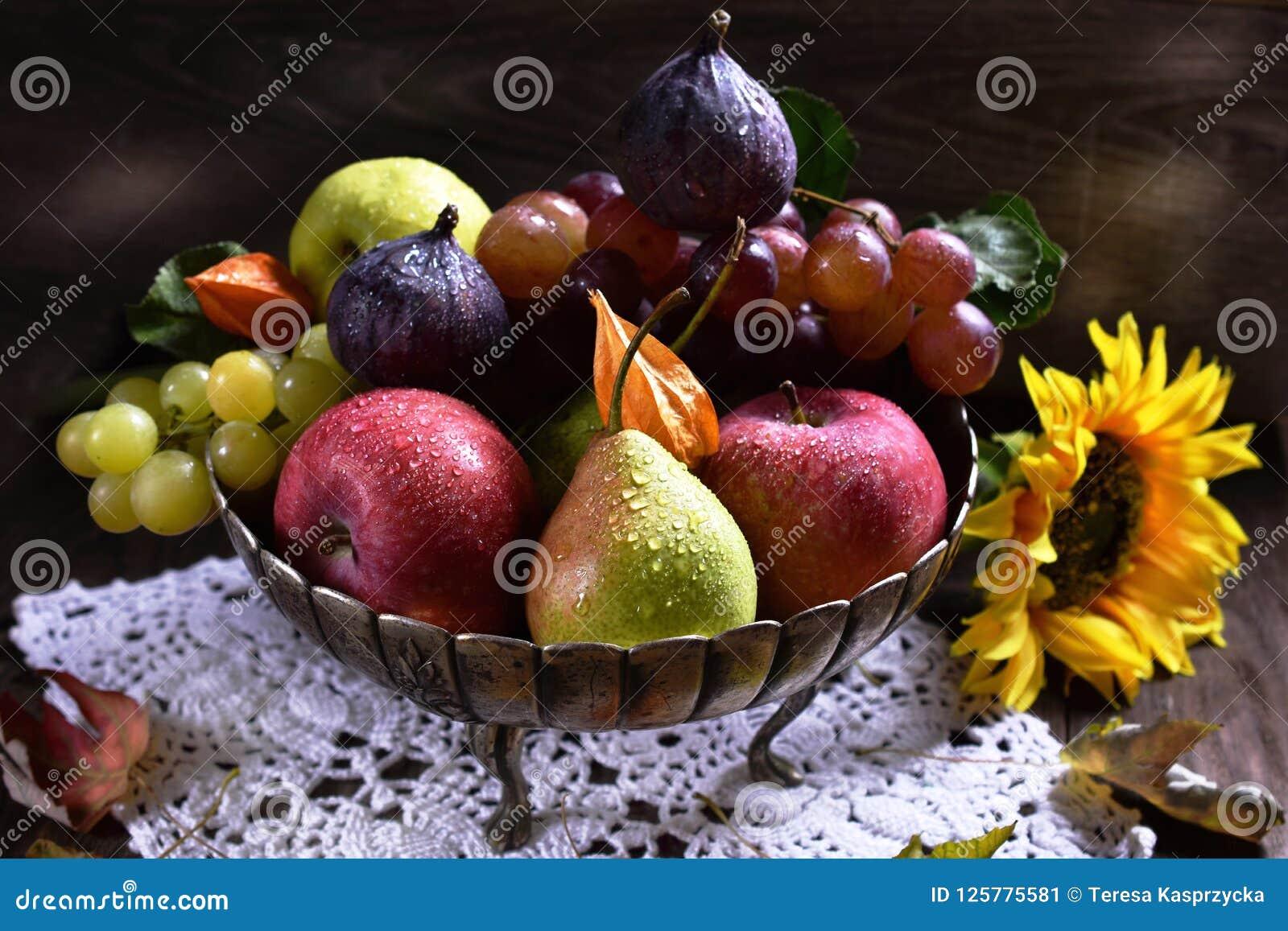 Hösten bär frukt stilleben