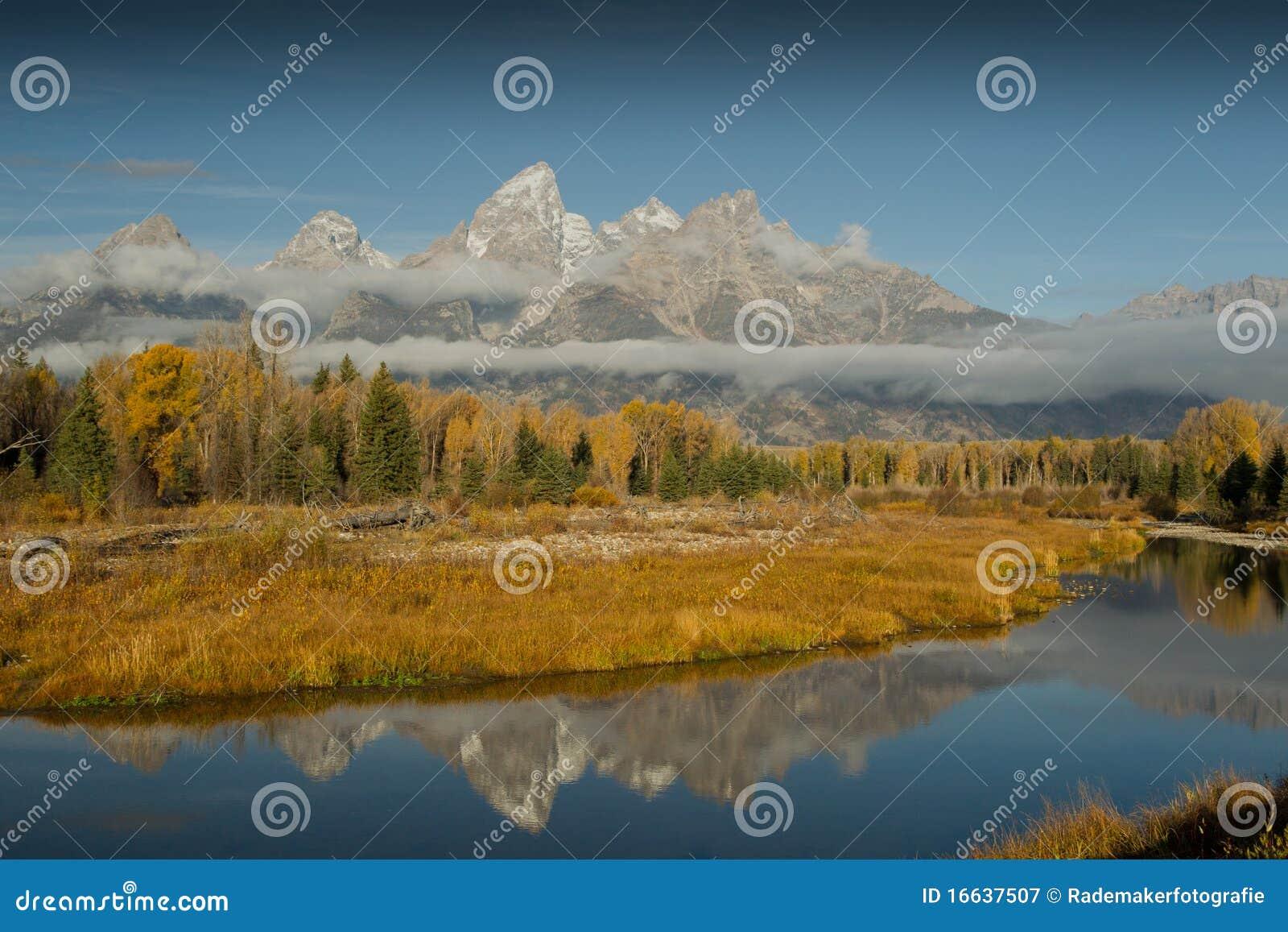 Hösten colors storslagna tetons