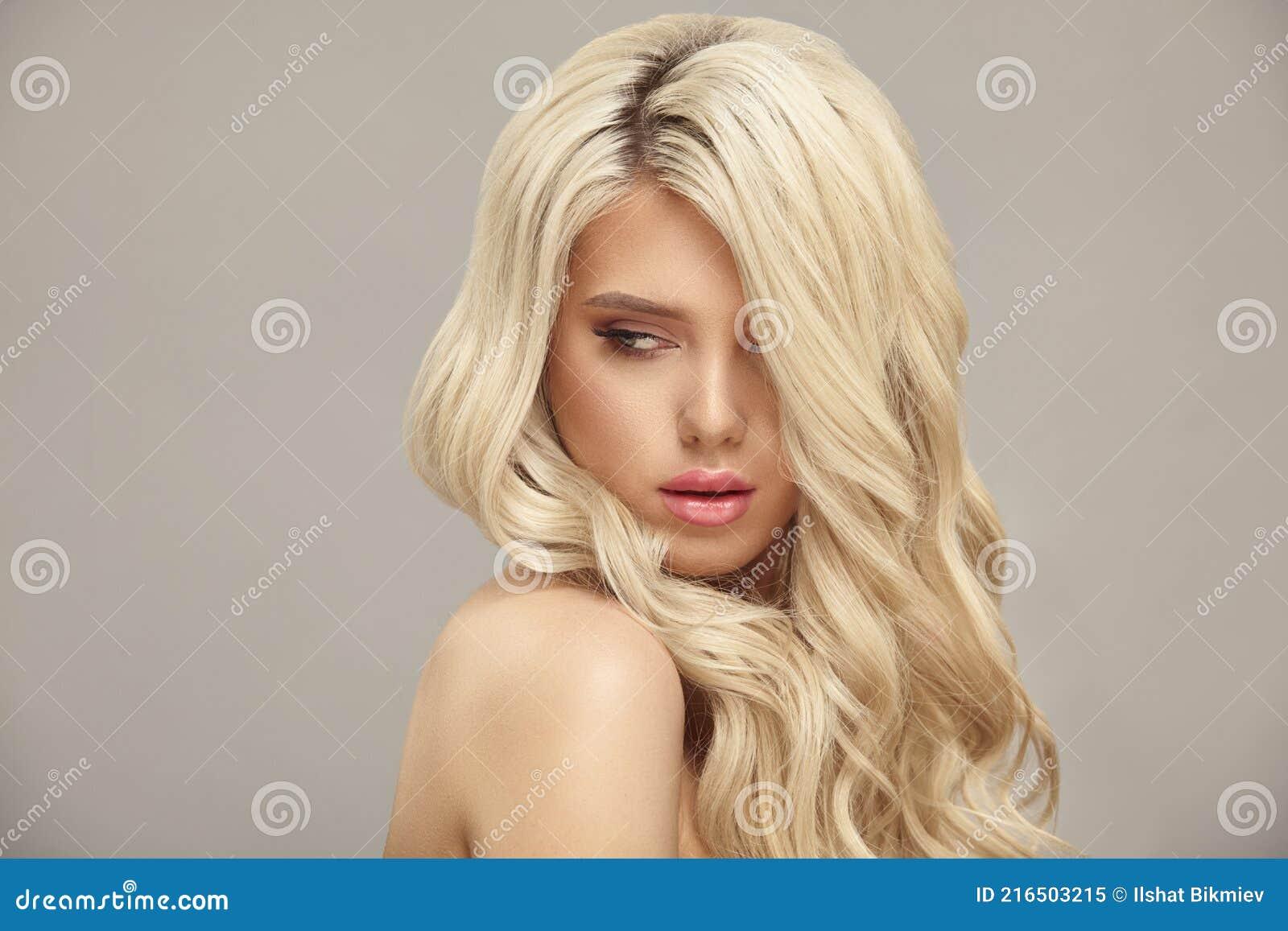 Blond jung nackt