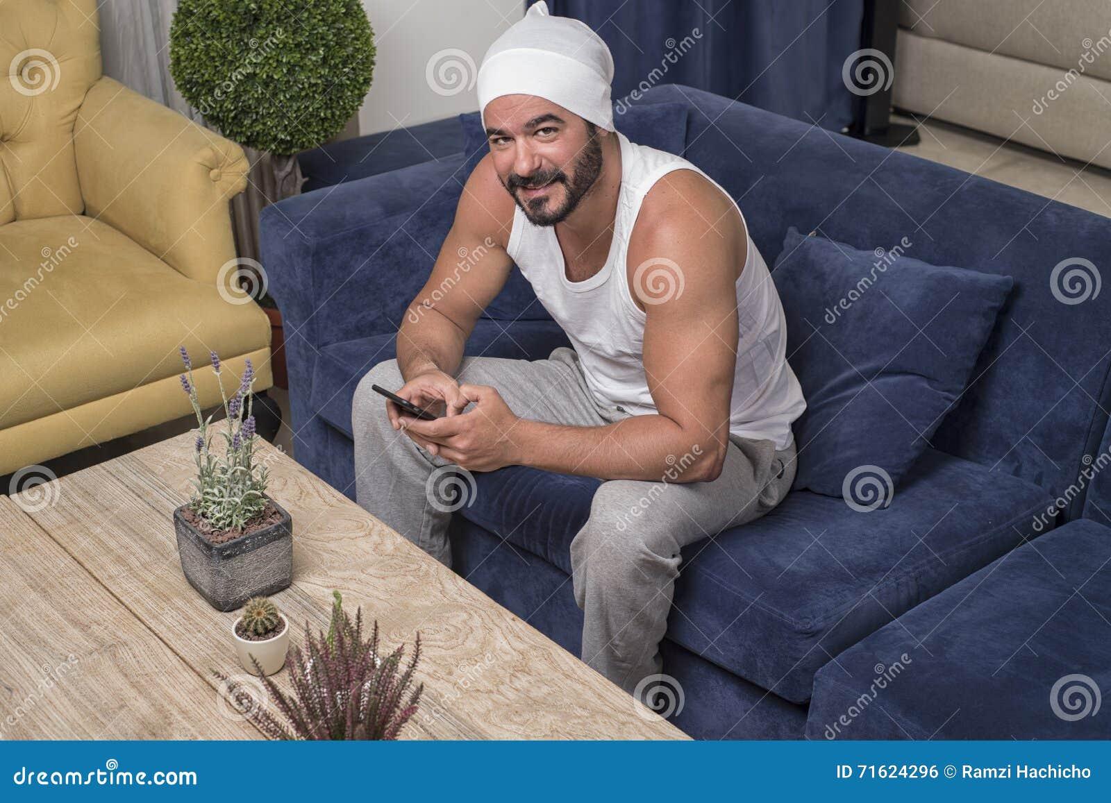 Gut aussehende Kerl online datieren Nz Casual Dating