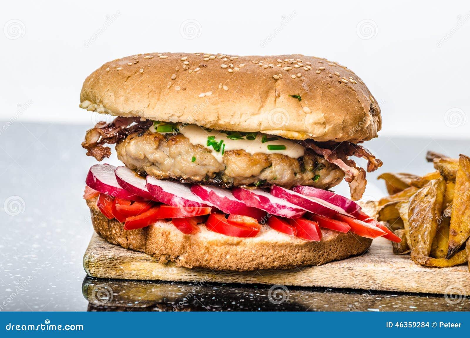 Huhnerburger gesunder burger stockfoto bild von for Burger küchen h ndler