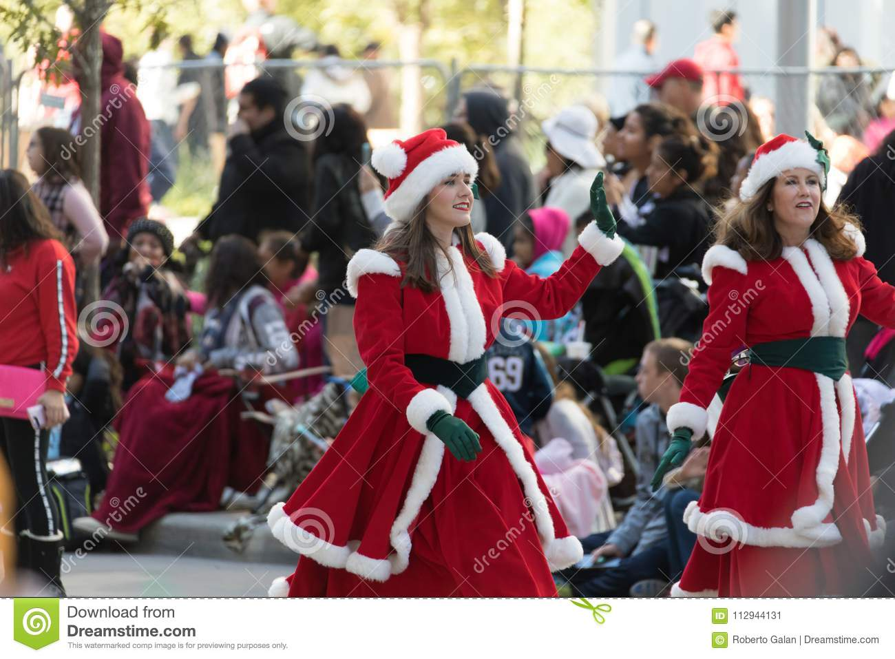 Heb Hours Christmas Eve.H E B Thanksgiving Day Parade Editorial Photo Image Of