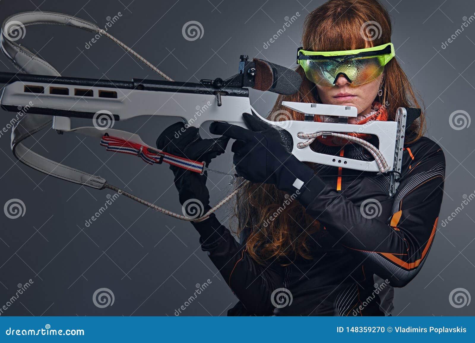 H?ll f?r r?dh?rig manBiatlon konkurrenskraftigt vapen f?r kvinnliga idrottsm?n