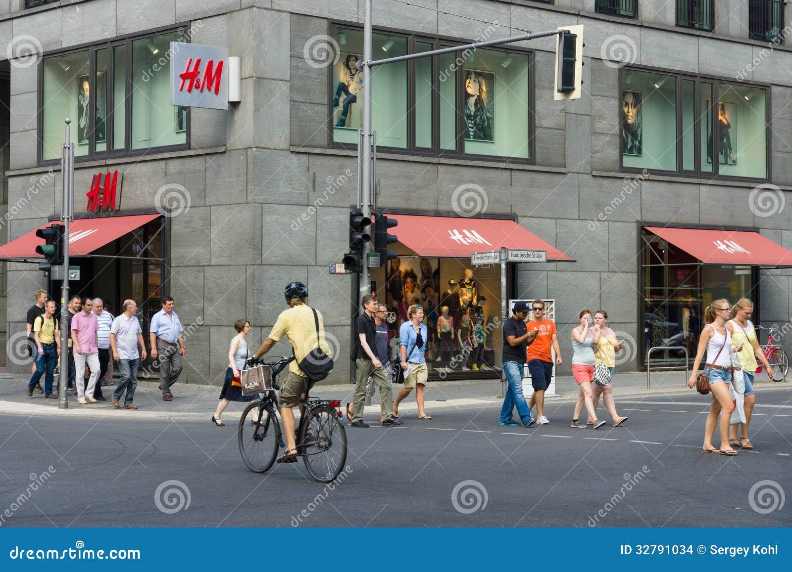 h m store on friedrichstrasse editorial stock image. Black Bedroom Furniture Sets. Home Design Ideas