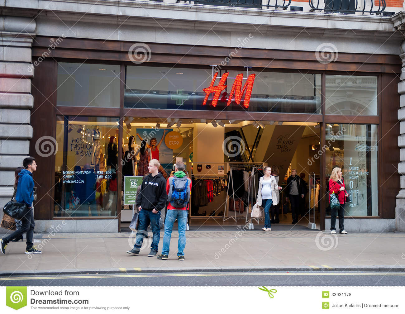 H&M Store In London, UK Editorial Stock Photo - Image ...