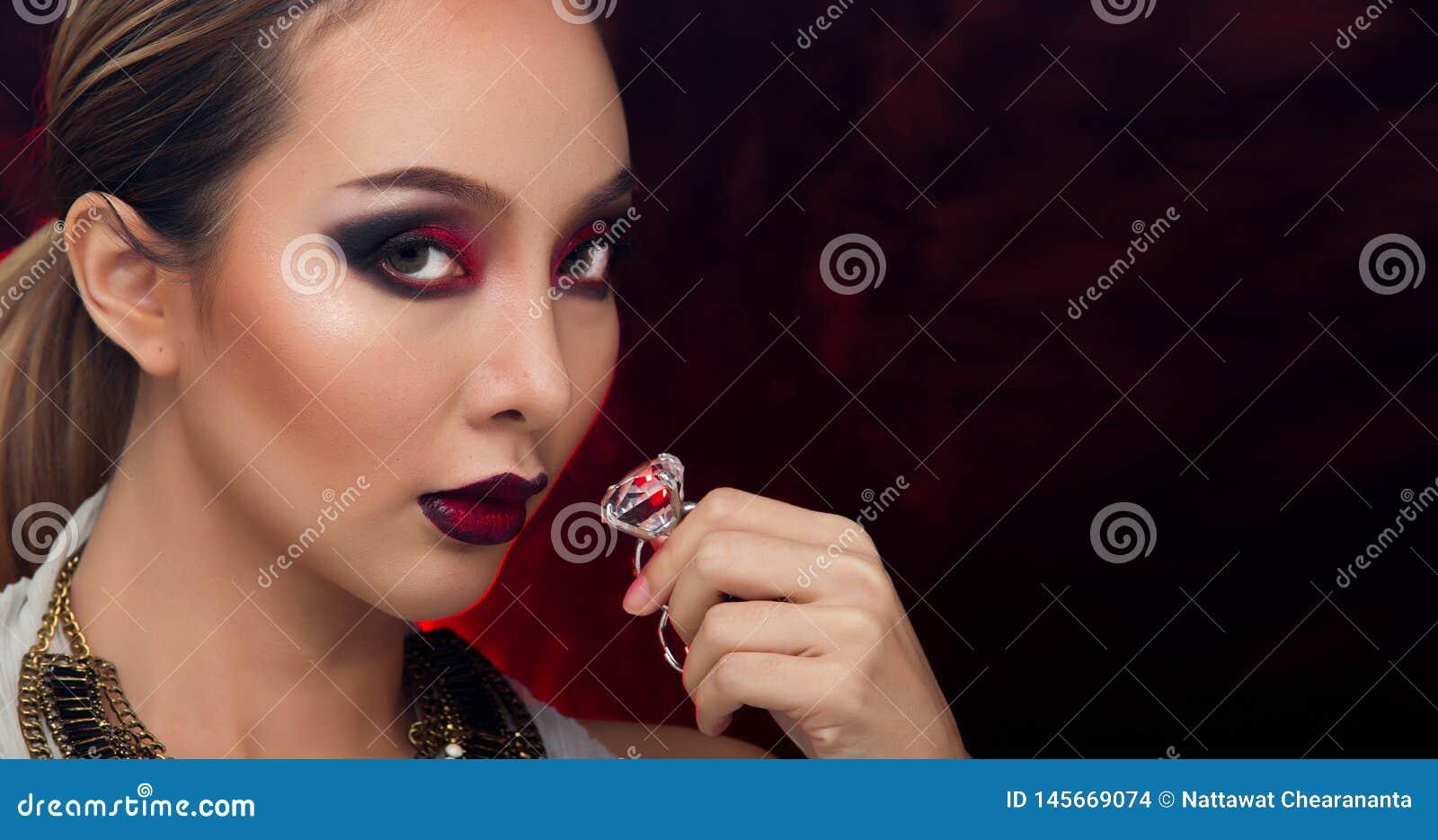 H?r f?r asiatisk kvinna f?r mode h?rligt blont svart