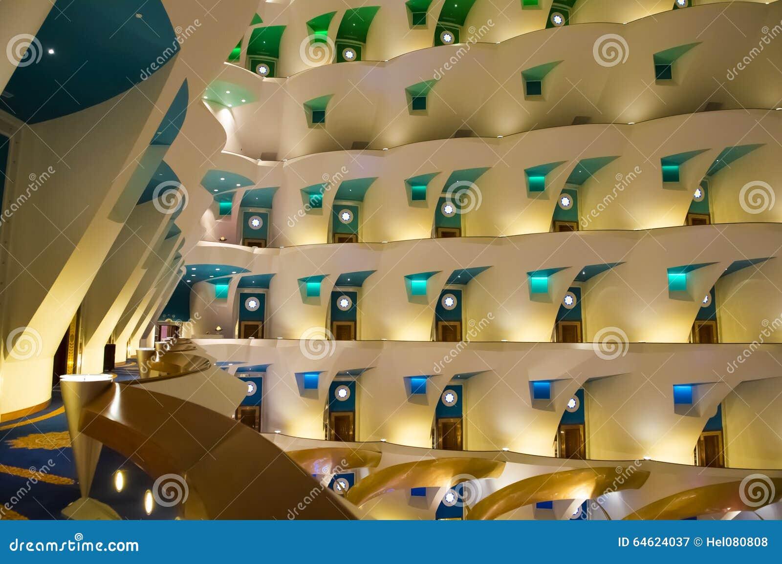H tel burj al arab int rieur photo stock image 64624037 for Hotel interieur
