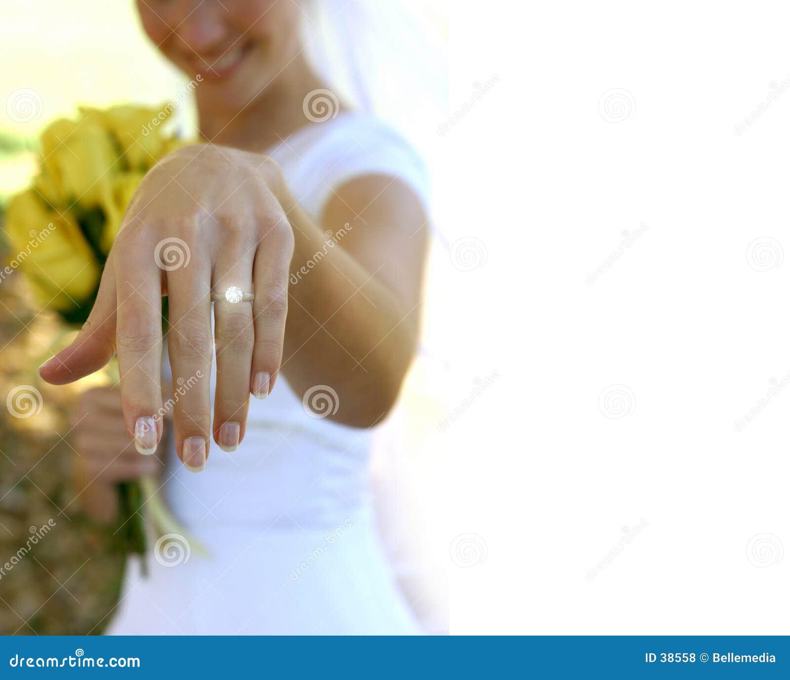 Haar nieuwe ring