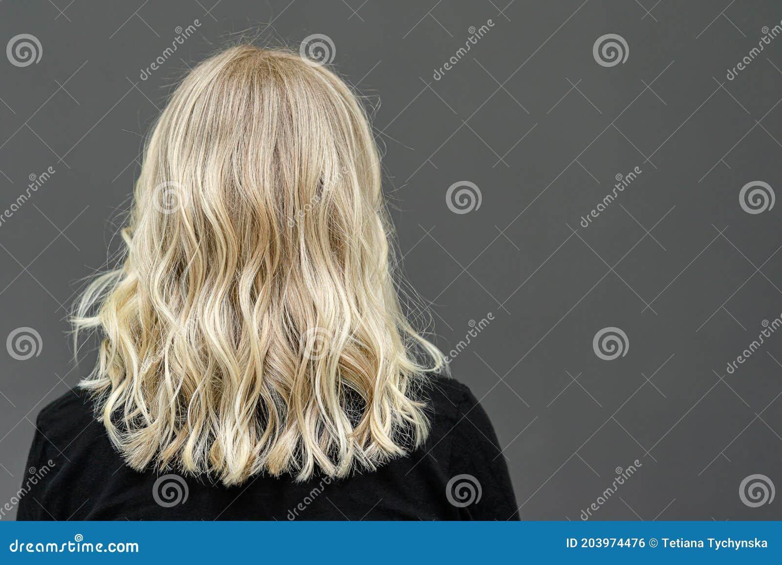 Blonde haare von hinten